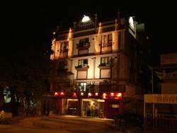 hotel riverfront